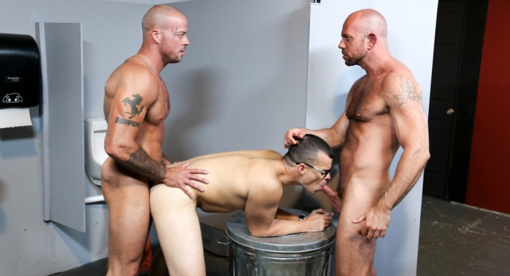 menover30-com-gloryhole-surprise